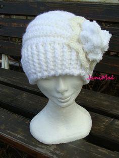 Eliotka, ... bílá je bílá Crochet Hats, Beanie, Fashion, Hobbies, Knitting Hats, Moda, Fashion Styles, Beanies, Fashion Illustrations