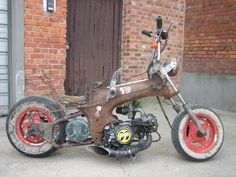 the suicide dax chopper Mini Chopper Motorcycle, Motorcycle Design, Motorcycle Bike, Bike Design, Small Motorcycles, Custom Motorcycles, Custom Bikes, Honda Scooters, Motor Scooters