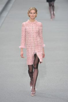 Chanel Spring 2009 Ready-to-Wear Collection Photos - Vogue