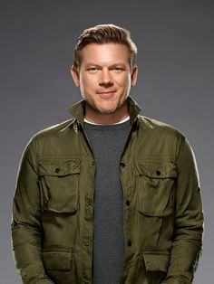 Tyler Florence hosts the The Great Food Truck Race and Food Court Wars and mentors home cooks on America's Best Cook. Get his recipes on Food Network.