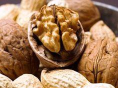 Descubre qué beneficios aportan las nueces a tu salud. ¡Te sorprenderá enormemente! Tan pequeñas y tan saludables :)