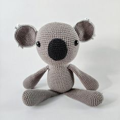 GRATIS HÆKLEOPSKRIFTER – Unkeldesign Hello Kitty, Pokemon, Barbie, Teddy Bear, Passion, Mini, Free Pattern, Animales, Threading