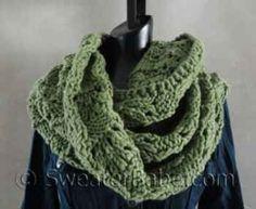 #127 Soft and Chunky Infinity Scarf PDF Knitting Pattern #SweaterBabe.com #knitting