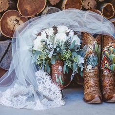 There's lots of new styles hitting the website tonight...but I got a lil distracted with the delivery of all my wedding photos!!!! :heart_eyes::raised_hands: