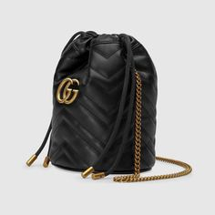 Shop the Black Leather Ophidia Mini Bag at GUCCI.COM. Enjoy Free Shipping and Complimentary Gift Wrapping. Gucci Fashion, Fashion Bags, Fashion Backpack, Womens Fashion, Bucket Bag, Gucci Store, Gucci Gifts, Gg Marmont, Small Shoulder Bag