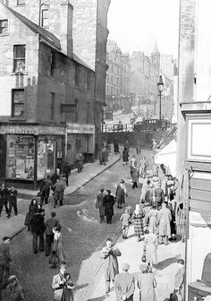 The old Wellgate, Dundee. No date or image credit Dundee City, Scotland Travel, Historical Pictures, Past Life, Great Britain, Edinburgh, Old Photos, Scenery, Family History