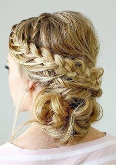A romantic updo from loose curly hair strands transformed into a romantic bun. straight or wavy hair textures are braided except for super short hair. Box Braids Hairstyles, Prom Hairstyles For Long Hair, Side Hairstyles, Straight Hairstyles, Wedding Hairstyles, Hairstyle Ideas, Prom Hair Medium, Medium Hair Styles, Curly Hair Styles