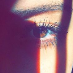 Real eyes realize the real lies Eye Pictures, Cool Girl Pictures, Tumblr Photography, Girl Photography Poses, Attractive Eyes, Girl Hiding Face, Snapchat Picture, Instagram Pose, Photos Tumblr