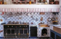 Provence Style: Decorating with French Country Flair: Varvel, Shauna, Black, Alexandra: 9780865653900: Amazon.com: Books Farmhouse Renovation, Provence Style, French Country Style, French Farmhouse, Town And Country, Living Spaces, Interior Design, French Interiors, Fairy Gardening