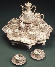 White lotus tea set