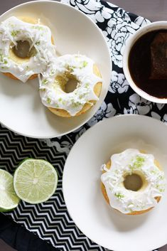 {Guest Post} Key Lime Doughnuts from Girl Versus Dough Doughnut Cake, Doughnut Shop, Tasty Kitchen, Donut Recipes, Homemade Cakes, Something Sweet, I Love Food, Sweet Treats, Yummy Treats