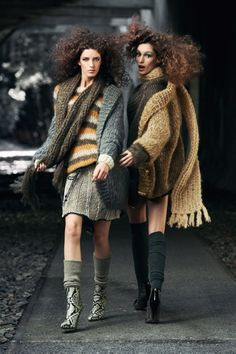 VOGUE GERMANY NOVEMBER 2012'Deutsch Klasse'Models:Franzi Mueller & Josephine van DeldenPhotographer: Max Vadukul