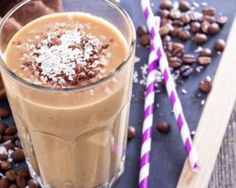 Love coffee AND smoothies? You are going to love this healthy coffee smoothie! Make this caramel coffee smoothie at home for a great way to start the day. Coffee Banana Smoothie, Coffee Smoothie Recipes, Banana Coffee, Coffee Recipes, Iced Coffee, Brunch Recipes, Paleo Recipes, Mocha Smoothie, Coffee Shake