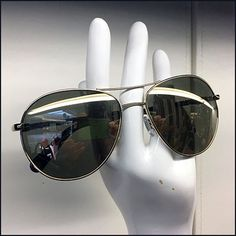 Henri Bendel Sunglasses Handout Display – Fixtures Close Up Henri Bendel, Visual Merchandising, Close Up, Eyewear, Retail, Hands, Display, Sunglasses, Style