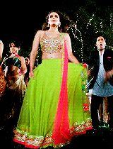Byeee good night bye 😔 good night I love ya 😔 Alia Bhatt Lehenga, Deepika Padukone Saree, Alia Bhatt Varun Dhawan, Humpty Sharma Ki Dulhania, Alia And Varun, Indian Gowns Dresses, Saree Dress, Homecoming Dresses, Indian Fashion
