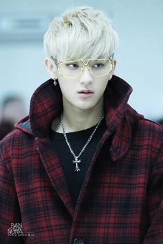 #EXO #TAO Can I have the glasses? He's so sexy~ (does anyone else notice that he's wearing Kris' necklace)