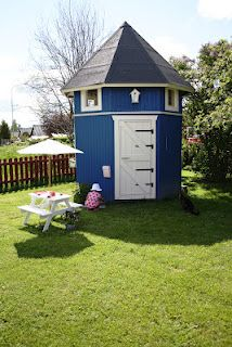 Cool play house!!