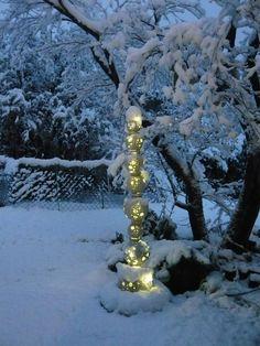 Stele of lights 2012 - Christmas Deesserts Raku Pottery, Le Totem, Statues, Garden Totems, Hand Built Pottery, Pottery Designs, Pottery Ideas, Sculpture Clay, Bronze Sculpture