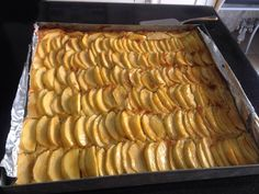 tarte aux pommes crème amande Culinary Arts, Waffles, Dairy, Cheese, Breakfast, Food, Design, Apple Pie, Sweet Pie