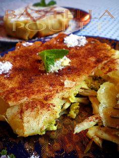 """La """"pastilla"""" au pigeon est le plat marocain par excellence, c'est un mélange sucré salé, feuilleté farci au poulet ou pigeon, avec des ama..."""