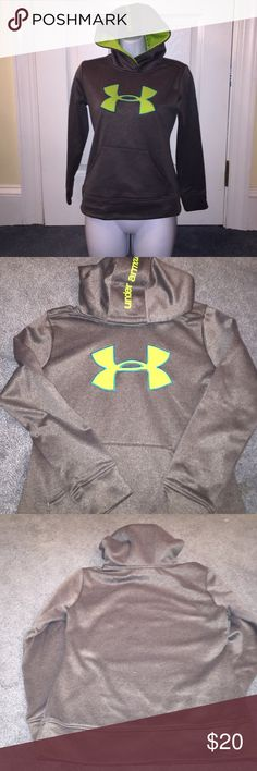 Kids under armor hoodie gray and neon green s/m Under armor kids hoodie gray with neon green size medium in very very good condition almost brand-new. under armor Other