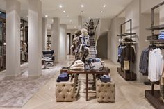 Pineado por Pilar Escolano. #visual #retail interior massimo dutti madrid serrano tienda