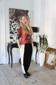 New outfit post on the blog... animal print and graphic. view more at www.Lionsandwolves.com  #fashionblogger #outfit #style #look #equipment #pythonprint