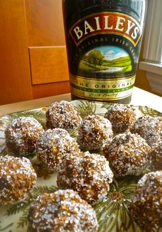 (No Bake) - UPDATE: these were tasty, but VERY rich. Would make for a party, rather then to have around the houseBailey's Balls! (No Bake) - UPDATE: these were tasty, but VERY rich. Would make for a party, rather then to have around the house Köstliche Desserts, Delicious Desserts, Dessert Recipes, Irish Desserts, Irish Recipes, Sweet Recipes, Candy Recipes, Holiday Recipes, Fudge Recipes