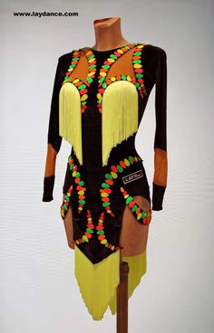 Latin Ballroom Dresses, Latin Dresses, Fringe Flapper Dress, Salsa Dress, Circus Costume, Samba, Dance Fashion, Afro, Dance Outfits