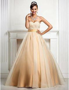 Esta quinceañera se inspiró en Audrey Hepburn para soñar con su vestido!