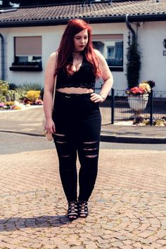 Crop Top & High Waist Plus Size Outfit