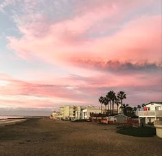 Spectacular #sunset tonight! The colors are straight out of a watercolor painting. #socal #ib #coronado #sandiego #lowtide #beachpier