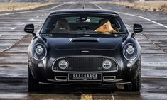 David Brown Speedback Silverstone Edition is a tribute to the GT racers of the past. Speedback Silverstone Edition with sleek… Aston Martin Cars, Aston Martin Lagonda, Retro Cars, Vintage Cars, Good Looking Cars, Mans World, Car Photos, Sport Cars, Cars And Motorcycles