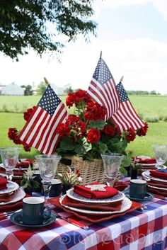 festive 4th of july tables From Memorial Day thru Labor Day, Patriotic party ideas for recipes, tablescapes  and other festive details are always fun to see!  ...and a red, white and blue party theme is always perfect for all types of summer parties.