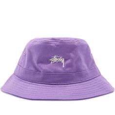 Stussy Stock Band Bucket Hat In Purple Outfits With Hats, Retro Outfits, Stussy Bucket Hat, Hats Tumblr, Bucket Hat Outfit, Cowgirl Hats, Accesorios Casual, Cute Comfy Outfits, Fascinator Hats