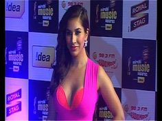 Sophie Choudry @ MIRCHI MUSIC AWARDS.