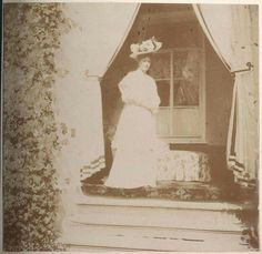Empress Alexandra Feodorovna of Russia at Ropsha in 1908.The photos were from an album owned by Anya Vyrubova.A♥W