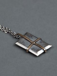 TOBIAS WISTISEN - Crucifix necklace 3