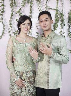 Wedding Hijab, Wedding Wear, Trendy Wedding, Wedding Dresses, Kebaya Lace, Kebaya Dress, Winter Gowns, Batik Fashion, Hijab Fashion