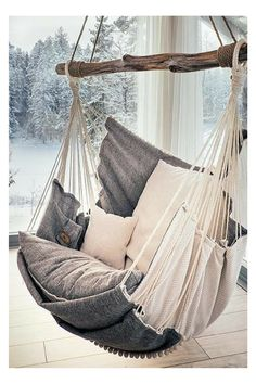 I need this comfortable hammock chair. In the summer I would put it outside, and read books. The best relax swing chair. #ad #hammock #chair #swing #outdoor #indoor #home #cozy #comfortable #relax