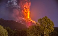 Eruption at Villarrica #volcano, Chile. Evacuations have been ordered. http://www.bbc.com/news/world-latin-america-31708312…