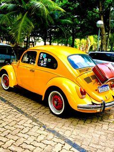 Fusca do Itamar #fusca #volkswagen #beetle #volkswagenbeetle #vintage #vintagecars Alyssa Edwards, Steve Carell, Joan Jett, Touring, Volkswagen, Travel Videos, Travel Images, Vintage, Sneaker Brands