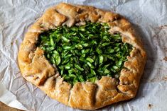 spring asparagus galette – smitten kitchen Asparagus Tart, Asparagus And Mushrooms, Spinach Stuffed Mushrooms, Stuffed Peppers, Chocolate Coconut Macaroons, Savory Tart, Savoury Pies, Smitten Kitchen, Dinner Entrees