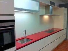Cozinha em Quartzo Colorido - www.mogranitos.pt