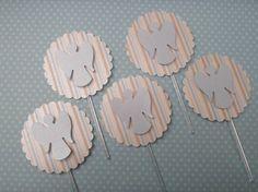 Toppers para decorar mesa de doces personalizado com aplique de anjinho de scrapbook.  Quantidade minima: 20 unidades Tamanho: 3,8cm diametro R$ 0,90