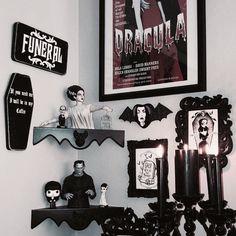A homage to Horror 💀 📸 . Halloween Bedroom, Halloween Home Decor, Halloween House, Gothic Room, Gothic House, Goth Bedroom, Bedroom Decor, Grunge Bedroom, Decor Room