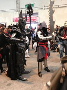 I love the Nazgul cosplay ! Amazing !