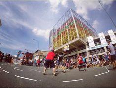 Torneo de baloncesto 3x3 frente al Gimnasio Vertical El Dorado