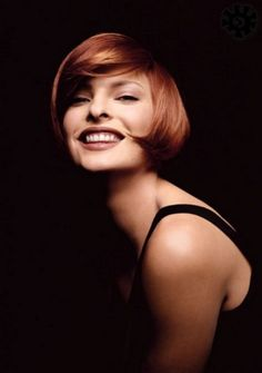Linda Evangelista My idol growing up! Linda Evangelista, Short Bob Haircuts, Short Haircut, Cindy Crawford, Claudia Schiffer, 90s Hairstyles, Straight Hairstyles, Naomi Campbell, Hair Styles 2014