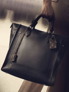 ルイ・ヴィトンのアプリ「Louis Vuitton Pass」で、広告キャンペーンの世界観を体感&スペシャルコンテンツにアクセスしました。